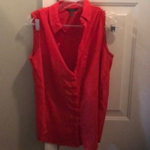 Red sleeveless blouse 👚-Small